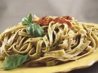 Fettucini Alegria au pesto de roquette et tomates séchées